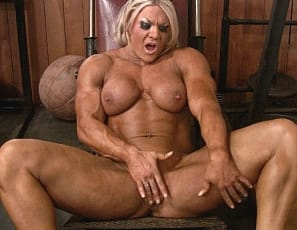 Lisa Cross has been working out and working us up! First she posed and flexed her big biceps, glutes and legs. Then she showed us her big clit and gave IT a workout - now she continues to masturbate while flexing her huge female muscle. There are so many things to watch in this video - where to fix your eyes?