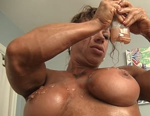 Female bodybuilder MuscleFoxx gets so turned on by her muscle control of her powerful pecs and by her ripped abs, big biceps, muscular legs and tight glutes as she poses for you that the muscle porn star wants to masturbate her big clit, penetrating herself with a big toy while you watch in close-up. You don't mind, right?